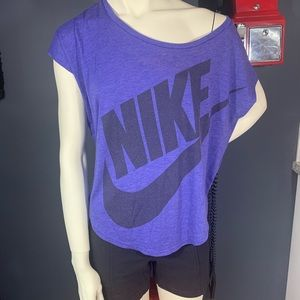 Nike wife neck loose fit logo sleeveless tee